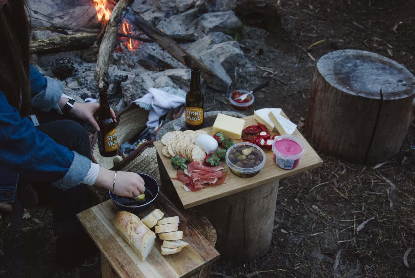 campers cooking with foods that don't require refrigeration