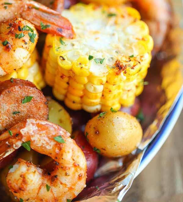 shrimp boil in foil packets for campfire cooking
